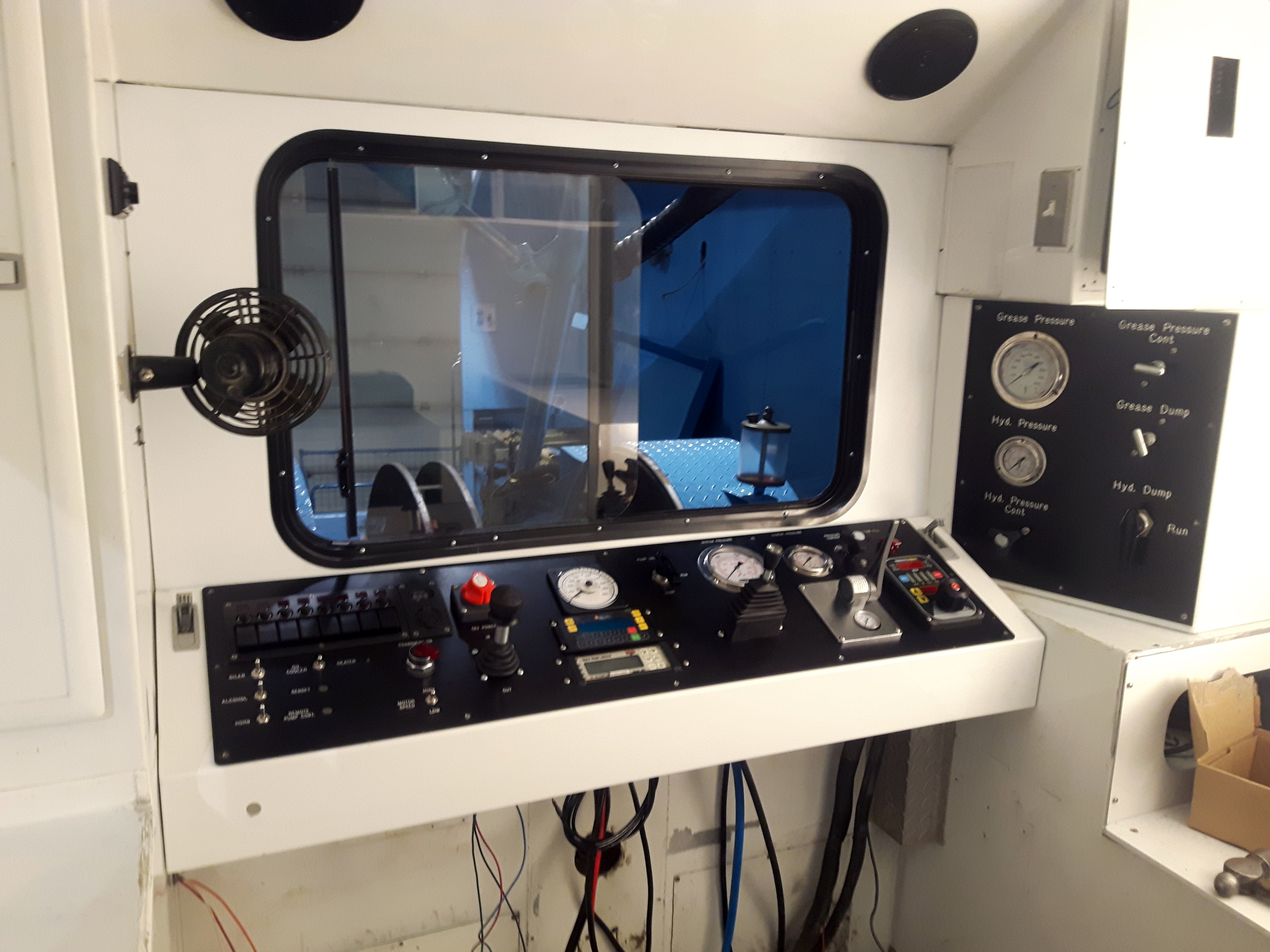 wireline custom dash panels